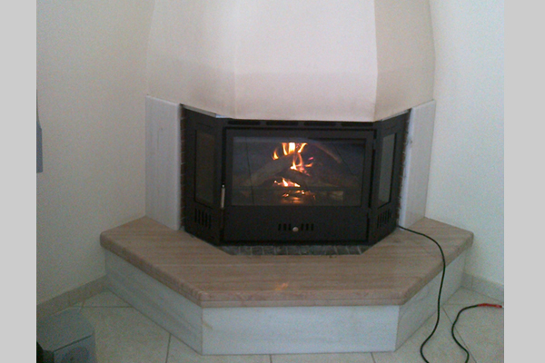 Πολύγωνη κασέτα Θερμοζέλ σε πολύγωνο τζάκι