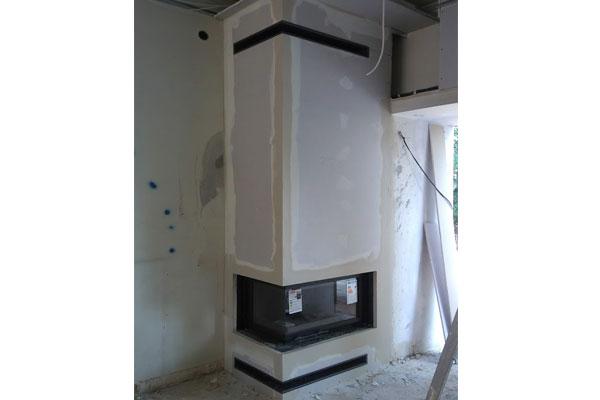 Ενεργειακό μαντεμένιο τζάκι Oliwia δίφατσο με συρόμενη πόρτα τοποθετημένο