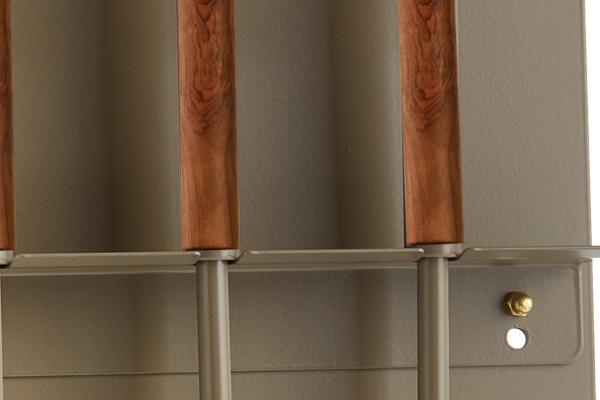 Κρεμανταλάς τζακιού 1240-W01 Ξύλο ελιάς / Καφέ ελιάς λεπτομέρεια