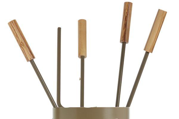 Κουβαδάκι τζακιού με εργαλεία Κ32 – 1240 Καφέ ελιάς λεπτομέρεια